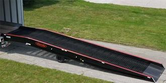 Mobile Aluminum Yard Ramps with Steel Grating